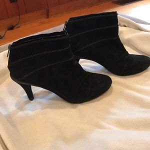 Kenneth Cole New Black Booties